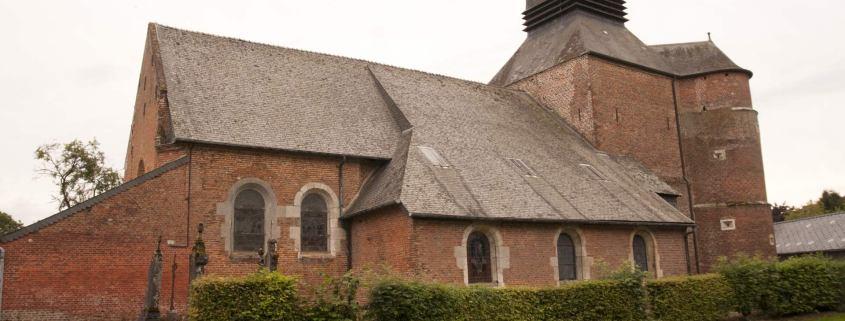 Kerk in Parfondeval in het noorden van Frankrijk