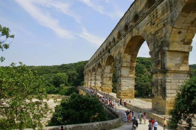 Pont du Gard is een Romeins aquaduct in de Provence, Frankrijk