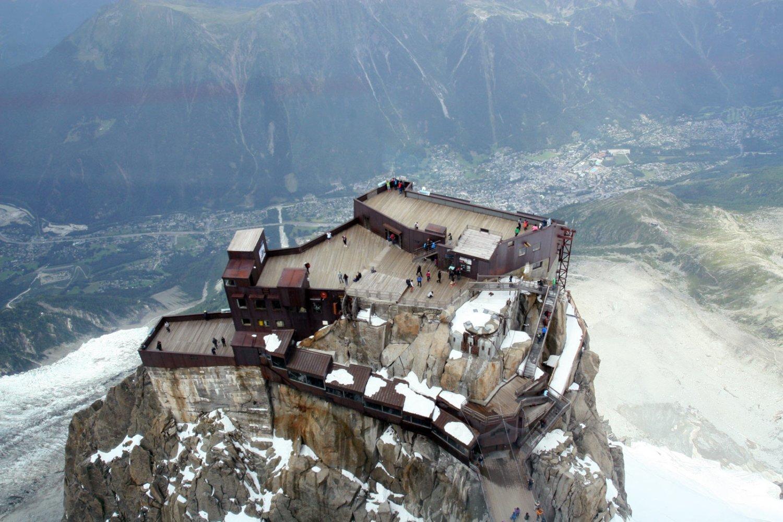 Uitzicht op Chamonix vanaf de Aiguille du Midi