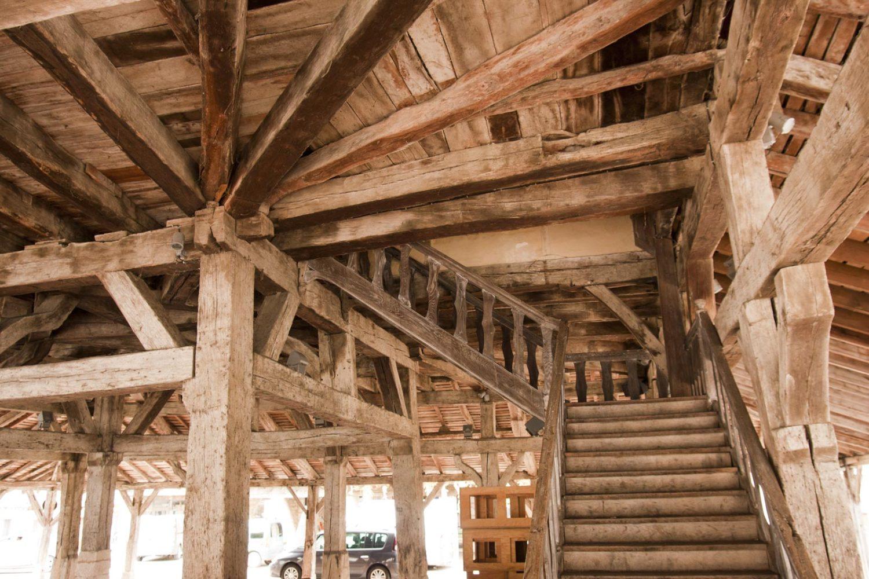 Markthal Villerèal Frankrijk dorp Bastide hout Lot