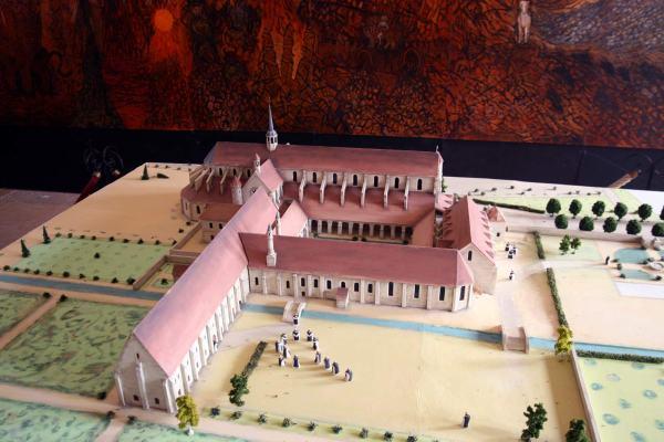 maquette van het oude klooster van Pontigny in Bourgondië Frankrijk