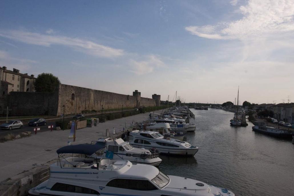 De muren van Aigues-Mortes