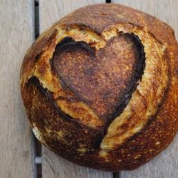 Hver dag ny bagt brød bagt på surdej.