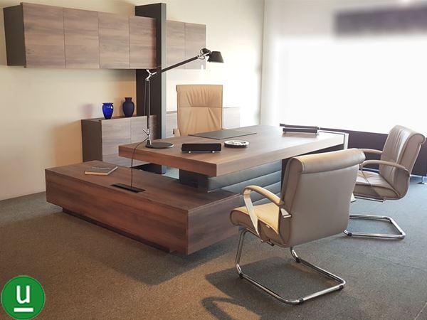 Qui troverai tantissimi modelli di mobili per l'ufficio a prezzi outlet competitivi e imperdibili. Dos Srl Bari Arredo Ufficio Completo Con Scrivania E Mobili Contenitori Jera Di Las Mobili Arredamento Completo Casa E Ufficio Vendita Anche Online