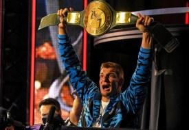 Rob Gronkowski ya no está bajo contrato con WWE
