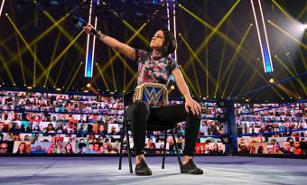 SmackDown completa cinco semanas seguidas con audiencia sobre los 2 millones