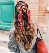 lenço no cabelo