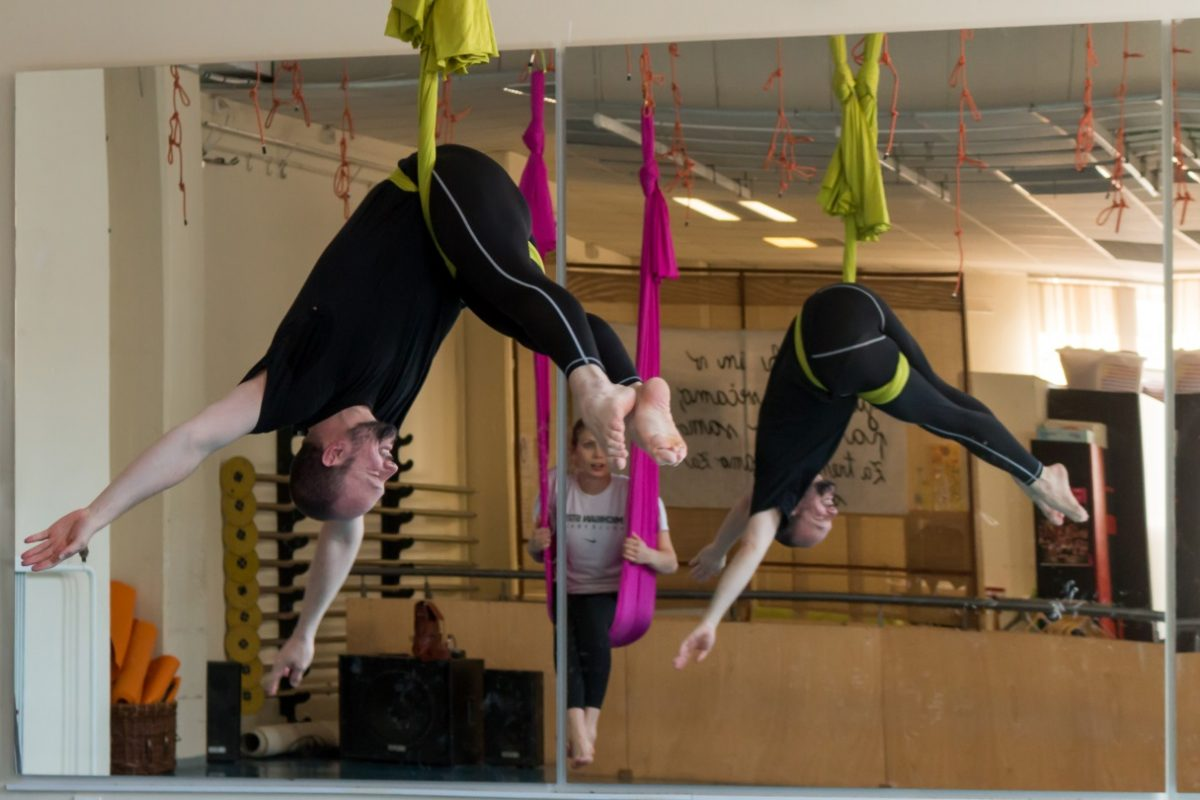 aerial joga, aerial jogo, joga