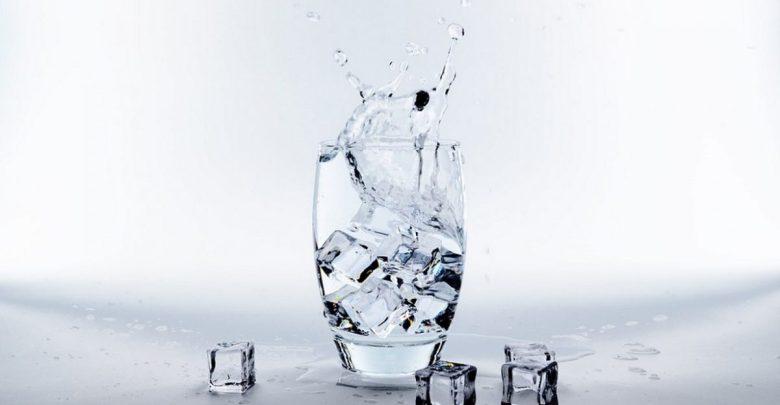 Voda je iz dve tekočini