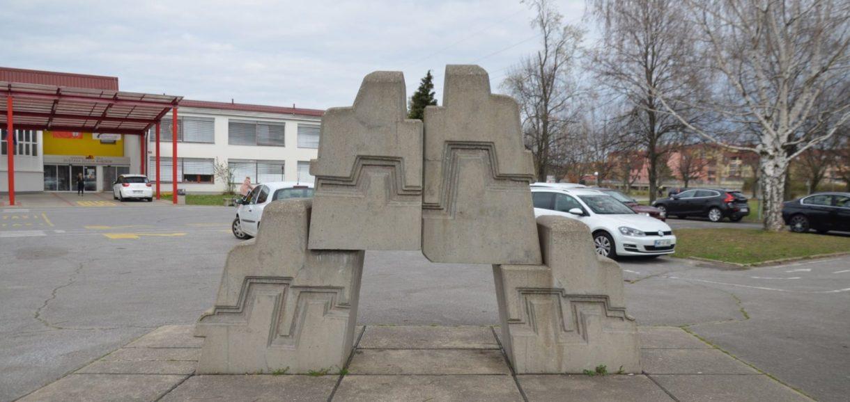 Forma viva, Taboru, Maribor, Osnovno šolo Gustava Šiliha, skulptura