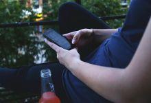 Photo of Kakšne nevarnosti prinaša mešanje alkohola s pisanjem sporočil?