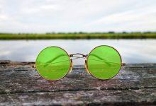 Photo of Lennonova okrogla sončna očala prodana za več kot 160 tisoč evrov