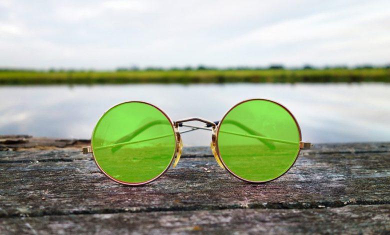 sončna očala, The Beatles, Lenonke, Sotheby's, John Lennon, dražba,