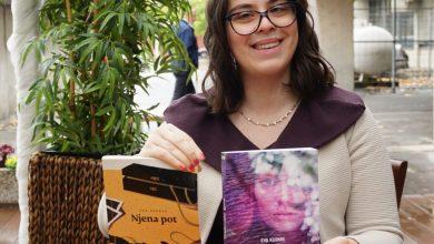 Photo of Portret študentke: Eva Kurnik, vztrajna pisateljica rokopisov