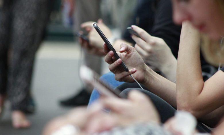 Teden brez mobilnega telefona, zasvojenosti 21. stoletja, SMS, statistika, Slovenija, MMS,