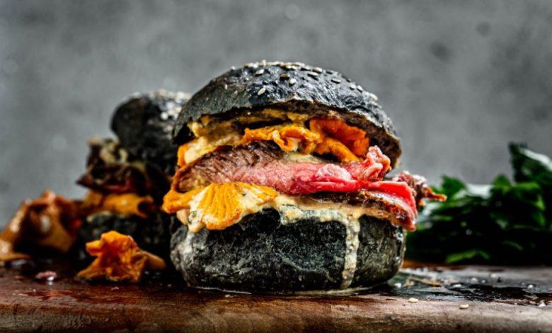 mala kuhna, lisičke, burger, steak, sestavine, recept, Andrej Vindiš,