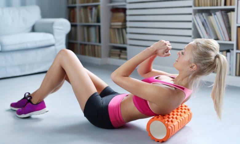 masažni valjček, masaža, valjčkanje, valjčku, mišice, mišica, ali je valjčkanje zdravo, zakaj se valjčkati