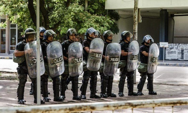 protestnega shoda, obsojajo, ravnanje policije, Policisti, policija, nasilje, protesti, protestni shod,