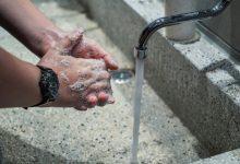 Photo of Raziskava dokazuje pomen umivanja rok: koronavirus na koži aktiven več ur