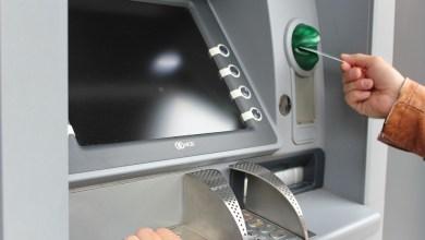 Photo of V torek za pol ure mrk večine bančnih avtomatov