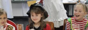 Kinder beim Karneval