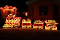 Outdoor Christmas Light Displays - Dot Com Women