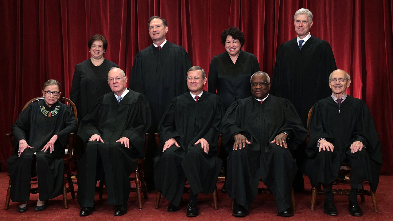 US Supreme Court class of 2017-159532.jpg12864742