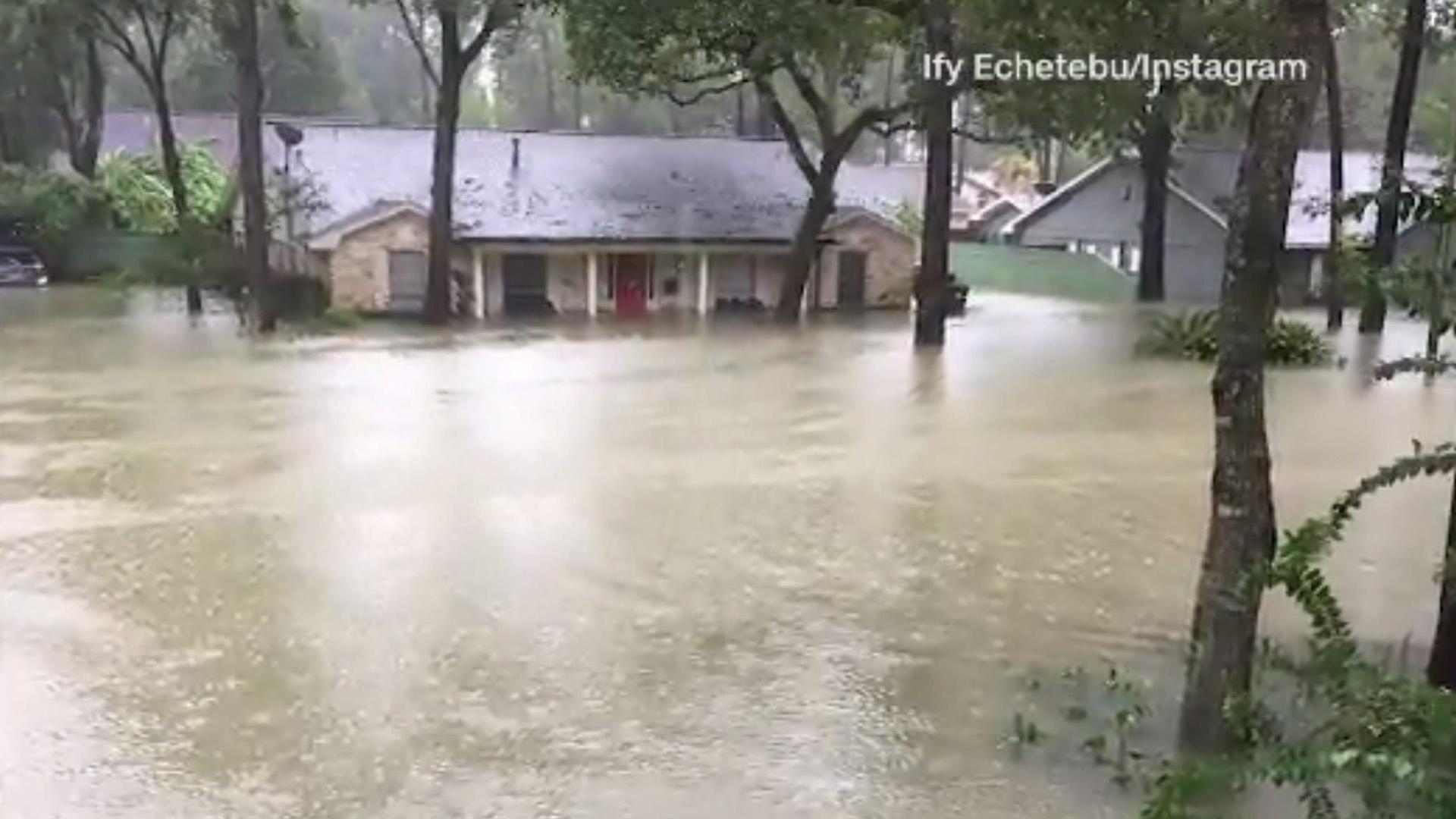 House under water, Instagram photo, Hurricane Harvey_1503854736516-159532.jpg18413010