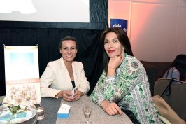María Eugenia Ramos, directora comercial Chile Iberostar; Claudia Guzmán, directora Bookers.