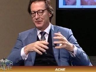 Dottor Salute Laser e Acne, in studio il dottor Giulio Franceschini L'acne compare quando la produzione di sebo da parte delle ghiandole sebacee raggiunge la superficie cutanea