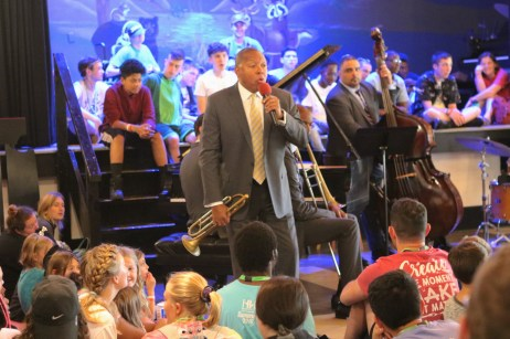 wynton marsalis speaks to audience
