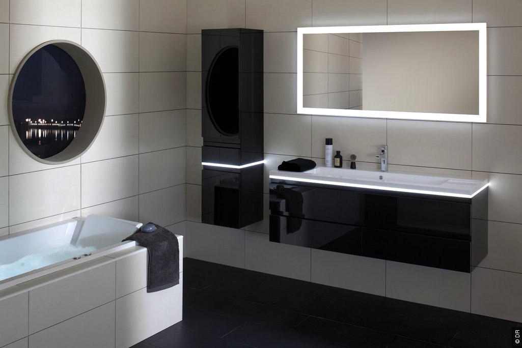un clairage parfait pour sa douche italienne. Black Bedroom Furniture Sets. Home Design Ideas