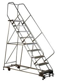 Rolling Safety Ladders Using Grip Strut