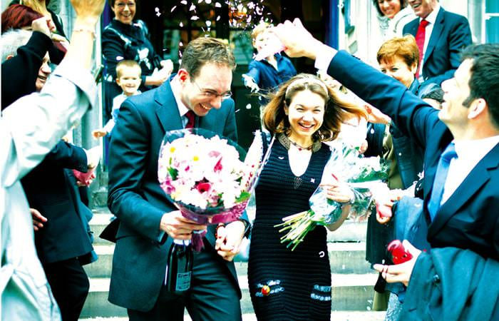 Wedding Photographer - Chelsea Register Office - Steps & Confetti