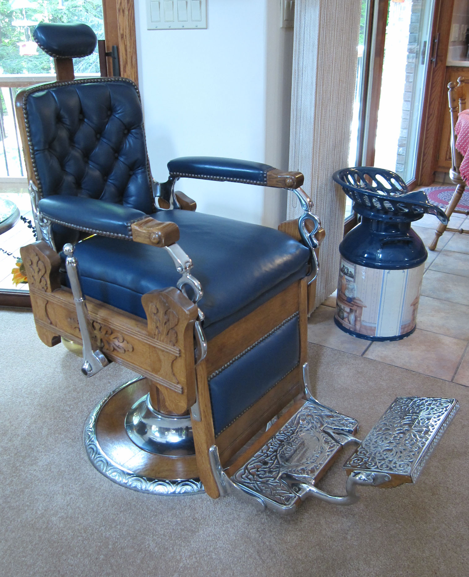 KOKEN Oak Barber Chair