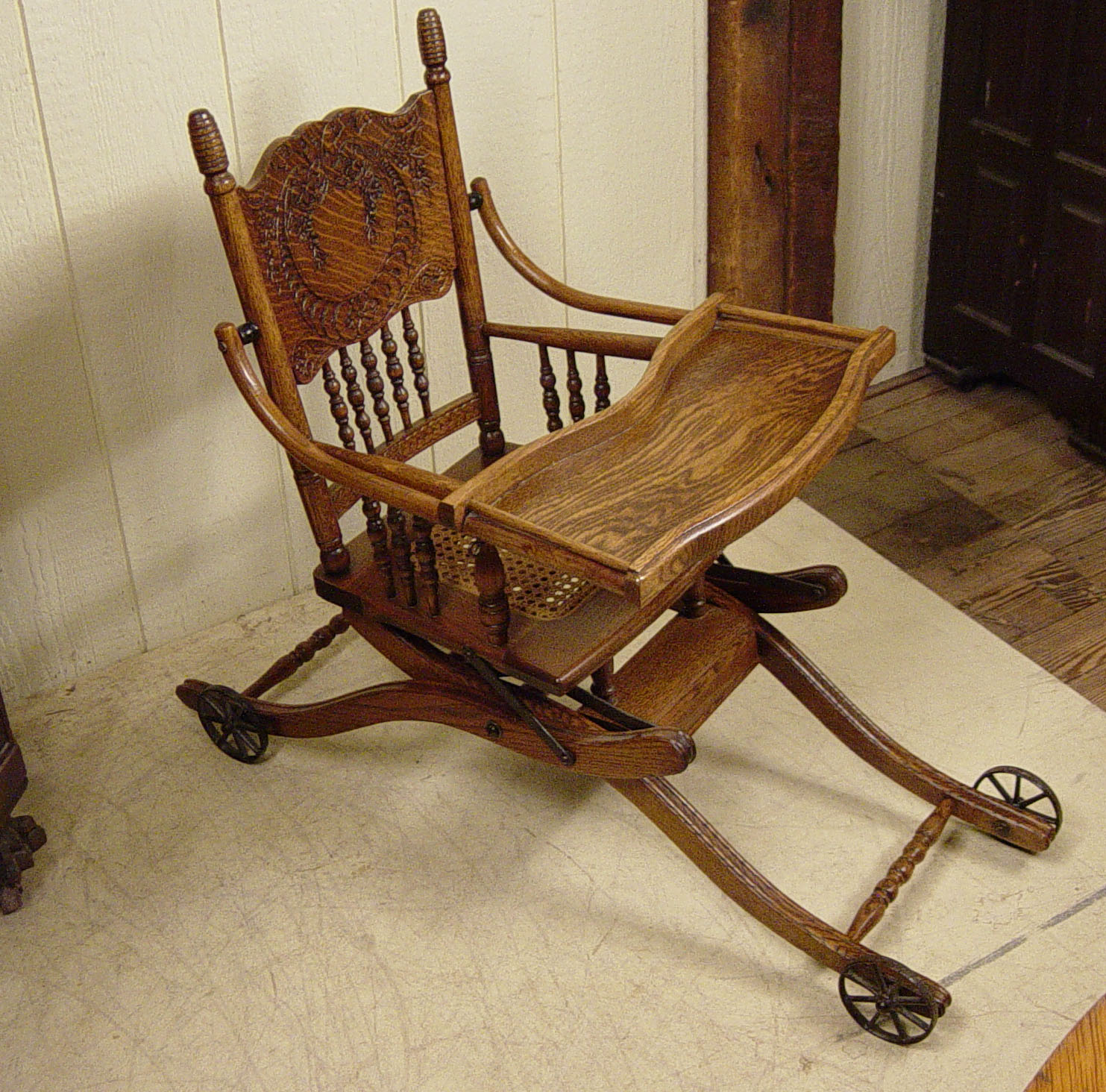 Collapsible Oak High Chair