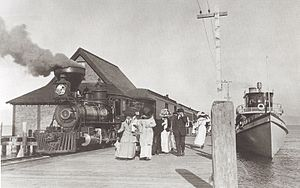Steamer Tahoe picking up mail, freight and passengers at Glenbrook