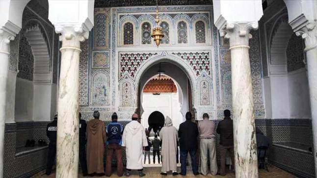 وزارة الأوقاف و الشؤون الاسلامية :لا يسمح بإقامة صلاة عيد الأضحى بالمصليات والمساجد