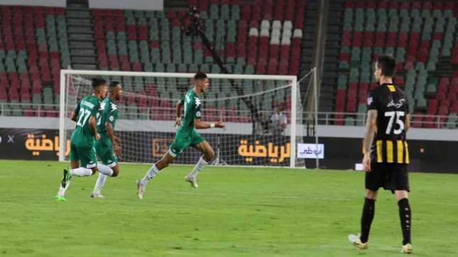 الرجاء البيضاوي يعانق كأس محمد السادس للبطولة العربية بعد فوزه على فريق الاتحاد السعودي