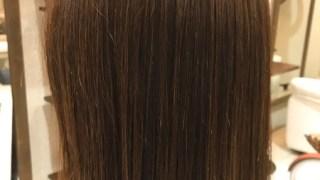 カラーと同時にまっすぐすぎない自然な縮毛矯正