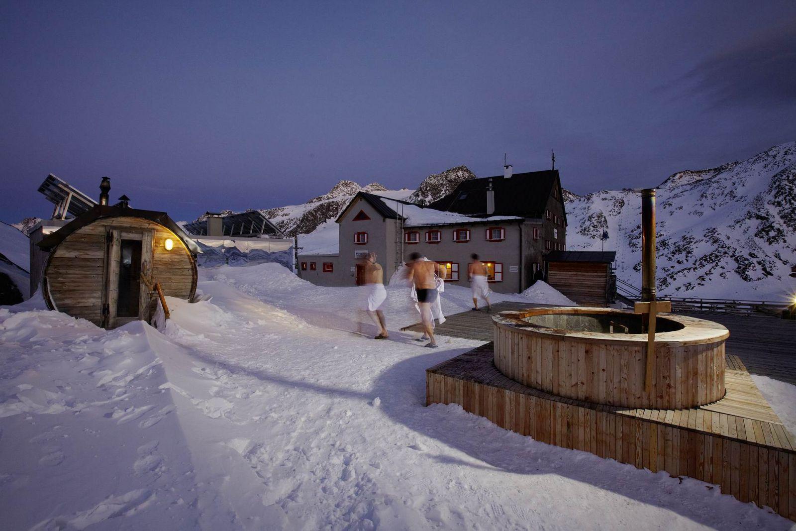 La sauna piu alta dEuropa  Rifugio Bella Vista