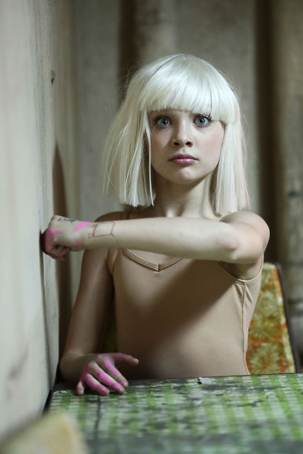 Sia_Chandelier_Maddie_Ziegler_Behind_the_Scenes_6826
