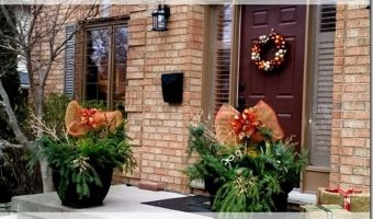 5 Easy Steps to Create your own Seasonal Outdoor Urns #HomeDecor