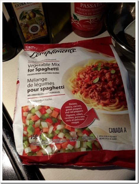 Beef Bolognese Sauce - Teen Chef Series @DownshiftingPRO - Learning How to Cook Spaghetti Sauce
