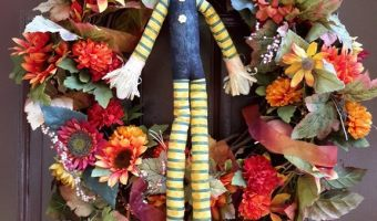 Happy Halloween– How to Decorate your Mantel #DIY