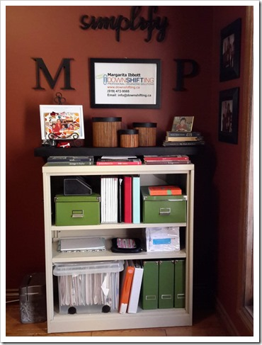 Spray Paint Makeover for My Office Shelves - @DownshiftingPRO
