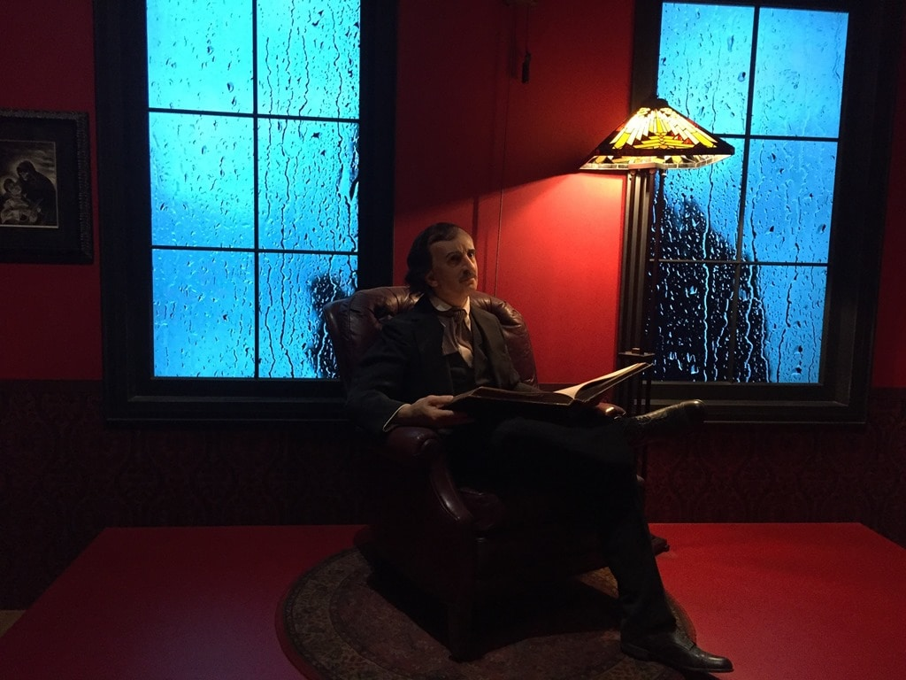 guillermo del toro rain room 28 images staged fright w