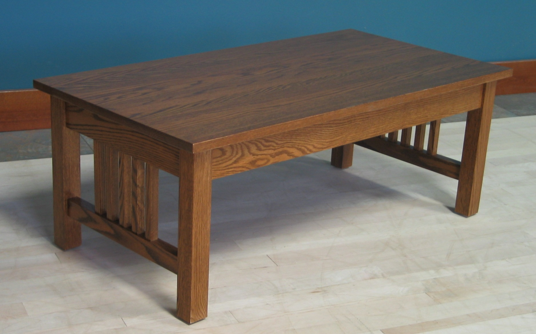 Coffee Table w 2 Drawers