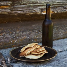 Lapper med Øl (Norwegian Flat Cakes with Beer)
