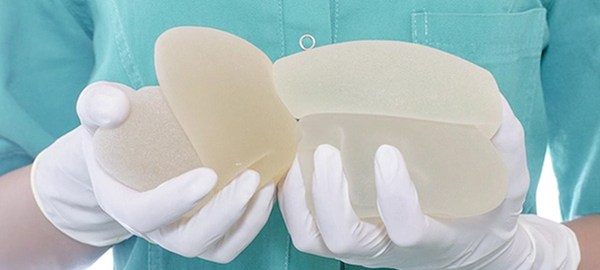 Guide for Selecting the Correct Breast Implant Size for You